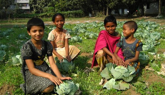 Barn i Agrasara barnehjem